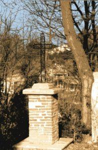 Croix chemin de Mireille