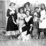 Les demoiselles en 1958.